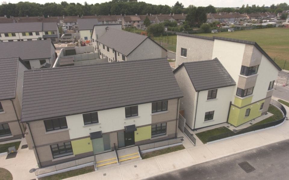 Esker Park consists of 33 residential units comprising 23 two-storey terrace houses, 4 single-storey terraced houses, 4 two-storey semi-detached houses and a single two-storey block consisting of 2 apartment units.